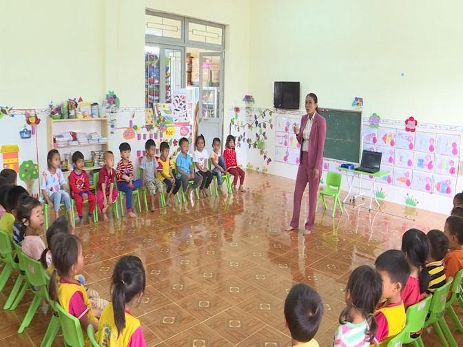 Theo thống kê để đảm bảo cho hơn 1.400 trẻ được đến trường, huyện Đắk Glong cần 157 cán bộ quản lý, giáo viên và nhân viên