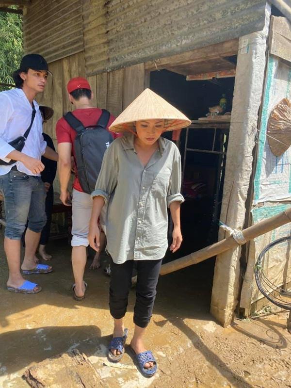 Phương Thanh trong chuyến đi về Quảng Nam.
