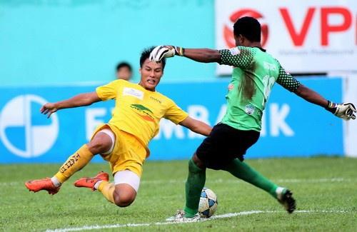 Mạc Hồng Quân ngày còn chơi cho Thanh Hóa.