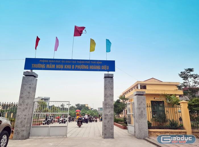 Công trình khu B Trường mầm non Hoàng Diệu được xây dựng với số tiền khoảng 13 tỉ đồng nhưng gần 1 năm đã có dấu hiệu xuống cấp (Ảnh: Lã Tiến).