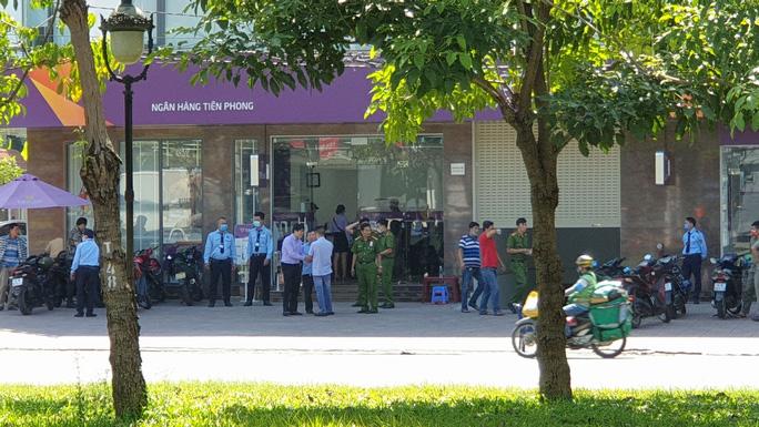 Chi nhánh ngân hàng, nơi xảy ra vụ tẩm xăng hòng cướp tài sản.