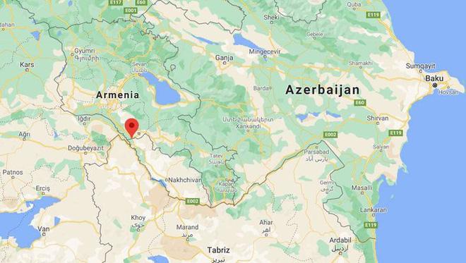 Địa điểm chiếc trực thằng Nga bị bắn rơi là tại làng Yeraskh thuộc tỉnh Ararat của Armenia. Ngôi làng nằm sát biên giới với Cộng hòa tự trị Nakhichevan của Azerbaijan.