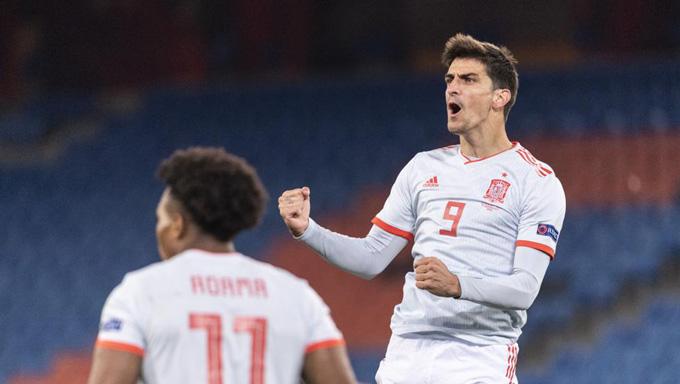Moreno ghi bàn gỡ hòa 1-1 cho Tây Ban Nha ở phút 89