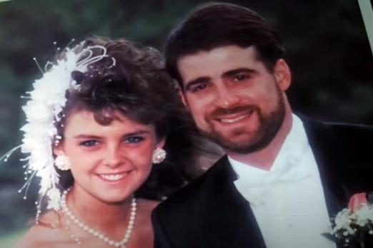 Bobby Bosley và Amy Bosley trong một ảnh cưới. Ảnh: ABC News.