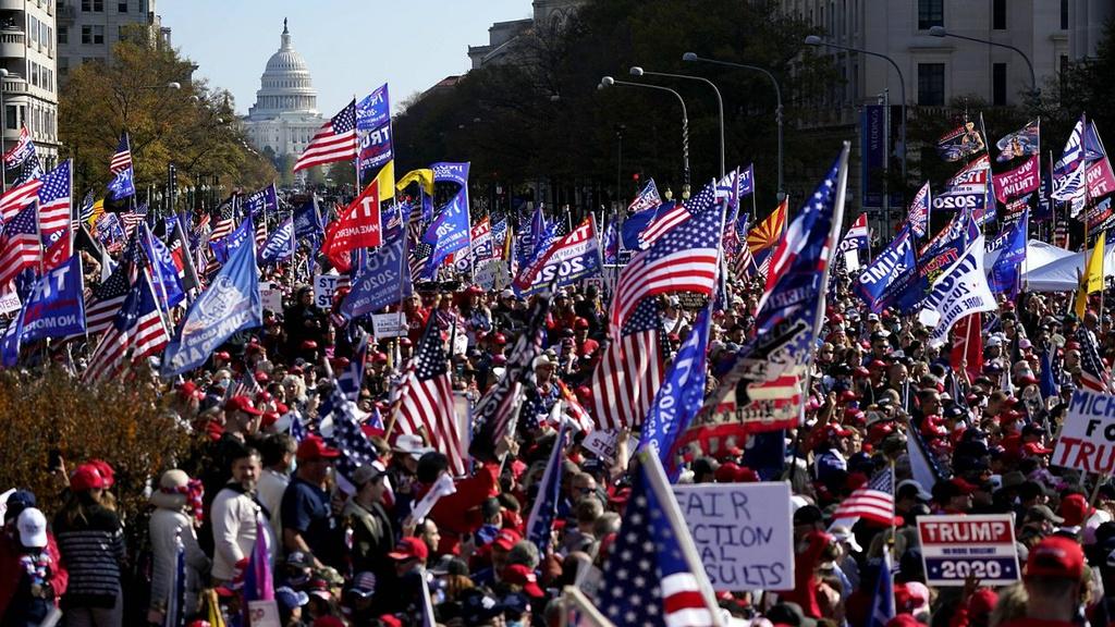 Người ủng hộ Tổng thống Trump đổ tới Washington D.C. Ảnh: AP.