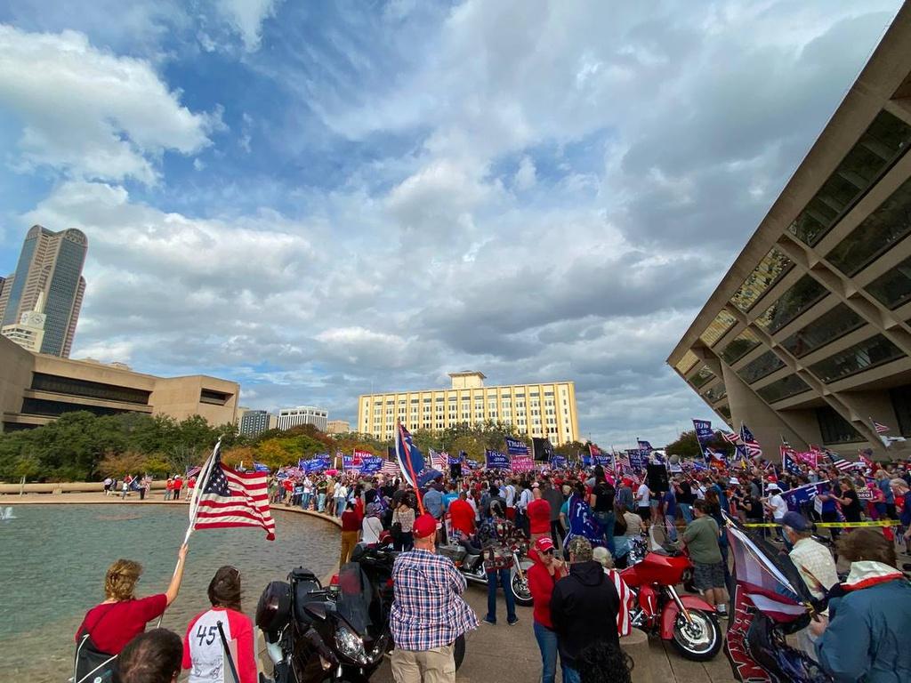 Cuộc biểu tình ở Dallas hôm 9/11. Ảnh: AP.