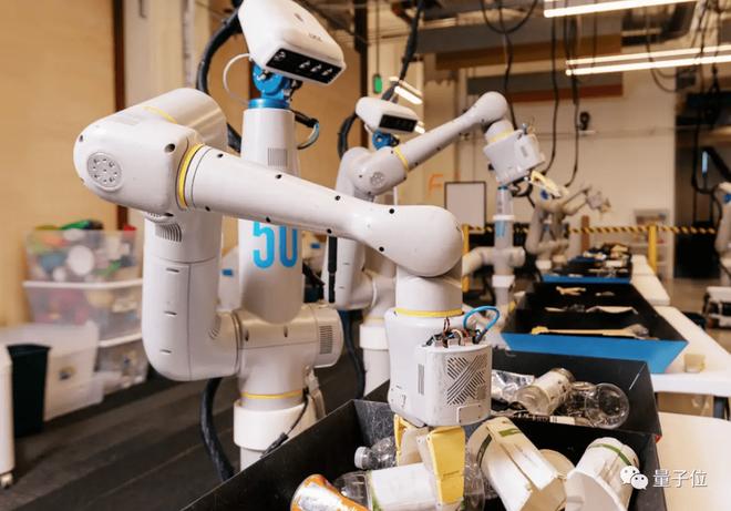 "Dự án ""The Everyday Robot Project"". Ảnh: X.company"