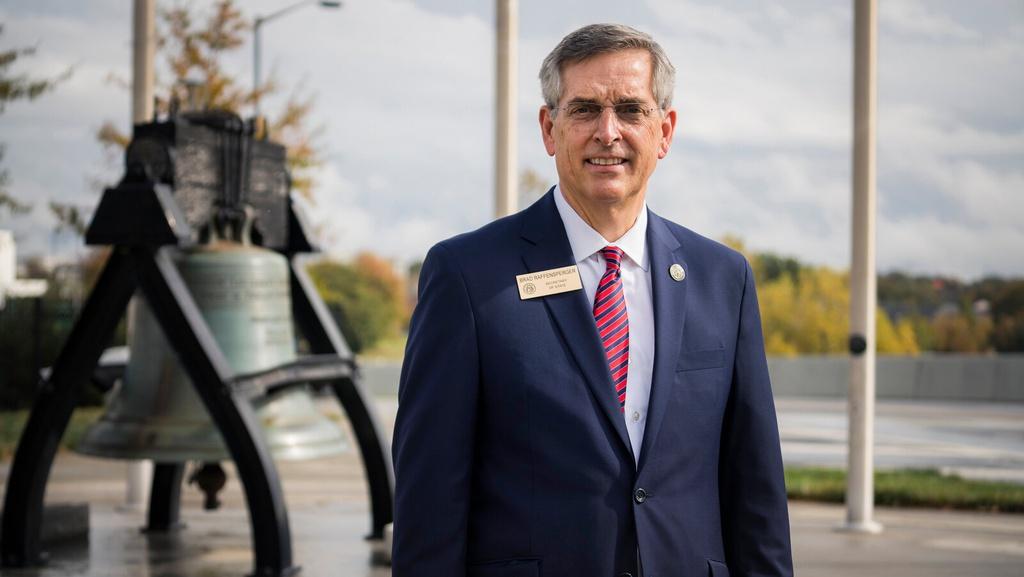 Tổng thư ký Georgia Brad Raffensperger, người phụ trách việc bầu cử của bang. Ảnh: New York Times.