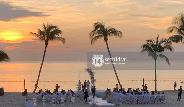 Hoàng hôn lãng mạn trên bãi biển Phú Quốc là nơi Công Phượng - Viên Minh trao lời thề.