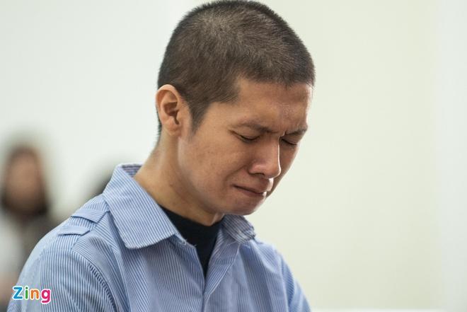 Bị cáo Nguyễn Minh Tuấn bị VKSND đề nghị tử hình. Ảnh: Hải Nam.