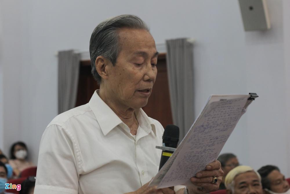 Cử tri Nguyễn Hữu Châu nói về chính quyền đô thị. Ảnh: Thu Hằng.