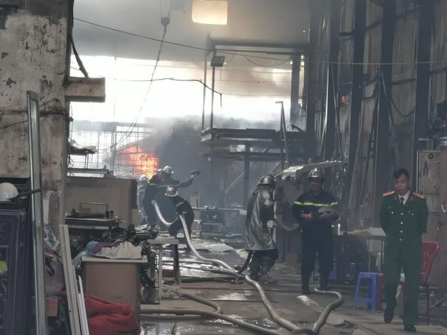Vụ cháy làm nhiều tài sản bị thiêu rụi
