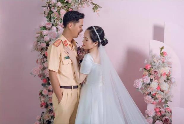 Ảnh cưới của cặp đôi qua màn quen biết định mệnh (Ảnh: FBNV).