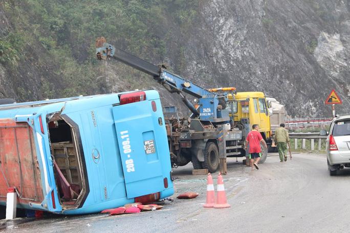 Nguyên nhân ban đầu của vụ lật xe khách giường năm được xác định do xe mất phanh.