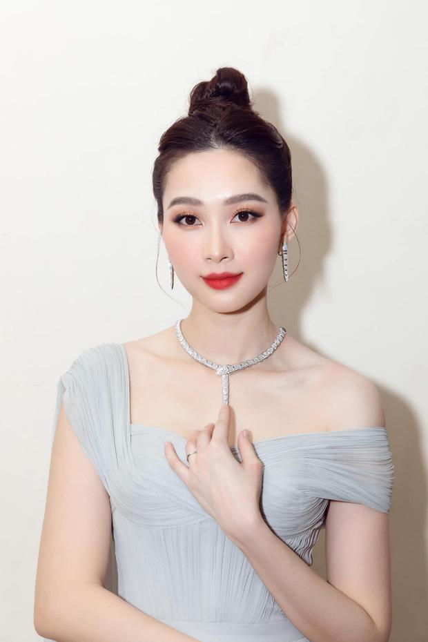 Cận nhan sắc của Đặng Thu Thảo trong lần tái xuất tại Chung kết Hoa hậu Việt Nam 2020.