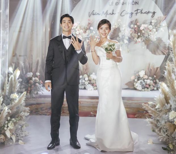 Hình ảnh trong lễ đính hôn của Công Phượng - Viên Minh trong tháng 6.