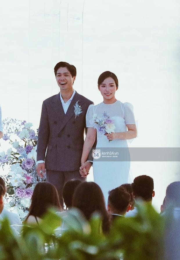 Công Phượng - Viên Minh trong lễ cưới ở Phú Quốc.
