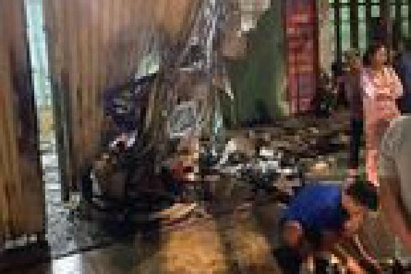 Hưng Yên: Nữ lao công bị ôtô đi ngược chiều tông tử vong thương tâm