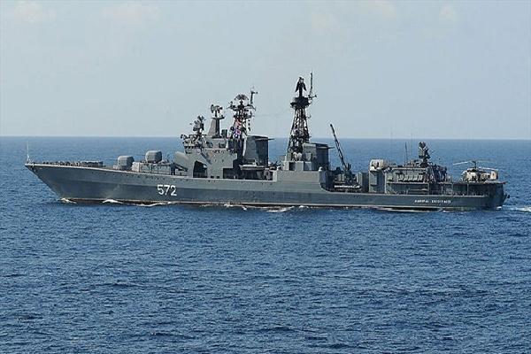Nga thông báo chặn tàu khu trục Mỹ xâm phạm lãnh hải
