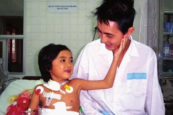Bệnh nhân đầu tiên được ghép gan ở Việt Nam qua đời