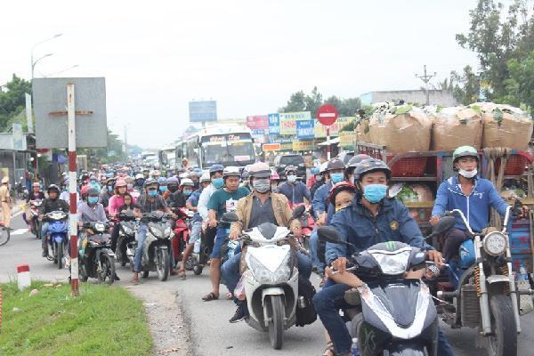 Đề xuất cấm xe 3 trục qua cầu Rạch Miễu giờ cao điểm dịp Tết