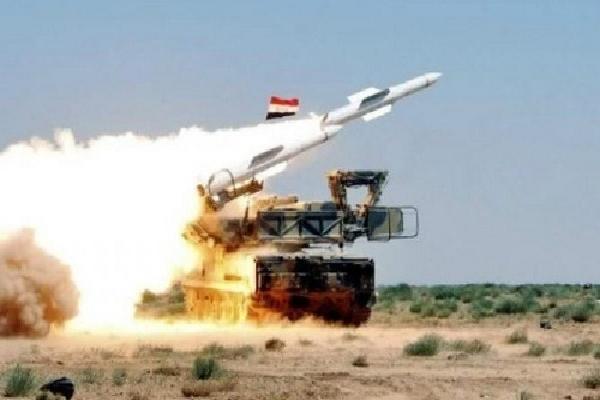 Syria bắn hạ tên lửa tấn công căn cứ quân sự