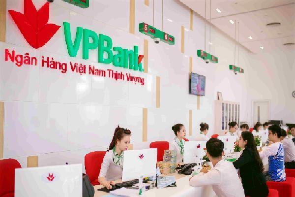 Lợi nhuận VPBank tăng 34% sau hai quý
