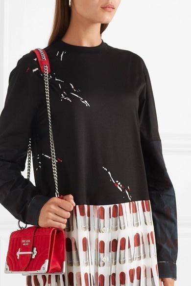 Loạt túi đeo chéo siêu sành điệu cho nàng rảnh tay thỏa sức vui chơi ngày hè