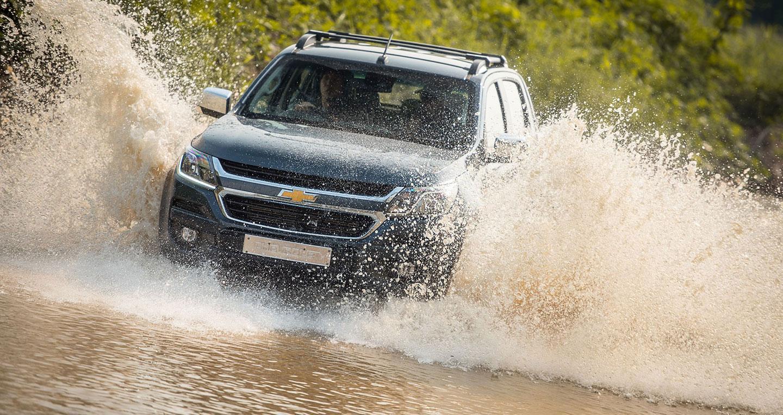 Những chiếc SUV và bán tải như Trailblazer và Colorado có thể vận hành ở mực nước sâu hơn xe du lịch.