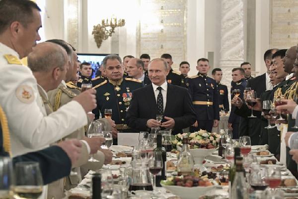 TT Putin: Vũ khí Nga đi trước các nước nhiều năm