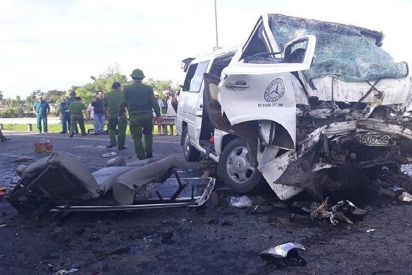Tai nạn thảm khốc, chú rể và 12 người chết khi đi rước dâu