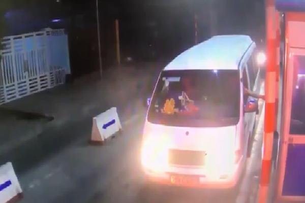 Clip hình ảnh cuối cùng của xe rước dâu trước khi xảy ra tai nạn thảm khốc khiến 13 người tử vong