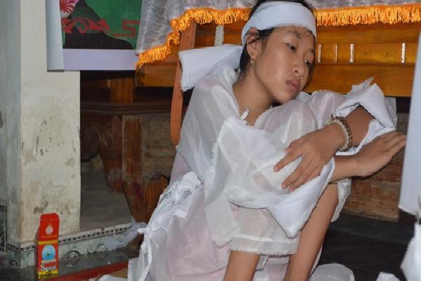 Vụ tai nạn 13 người chết: Cuộc điện thoại lúc rạng sáng báo tin '4 chị em giờ đã mồ côi'