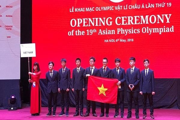 Học sinh từ 25 quốc gia dự cuộc thi Olympic Vật lí châu Á tại Việt Nam