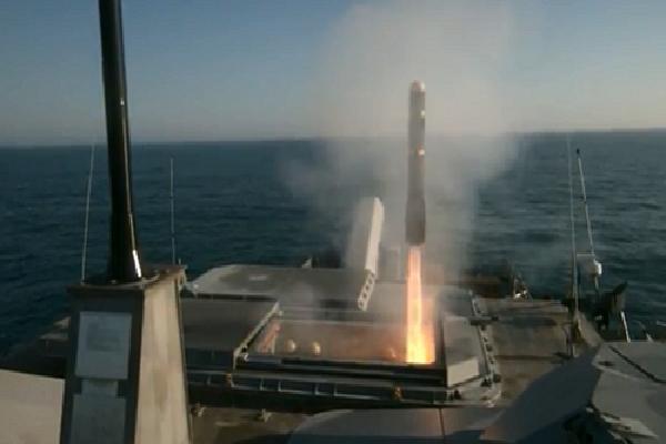 Tàu chiến đấu ven biển Mỹ lần đầu phóng thành công tên lửa 'Hỏa ngục'