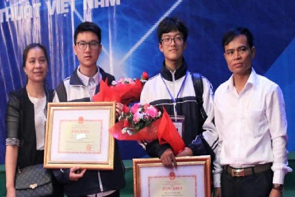 Nam sinh Nghệ An được cấp visa đi Mỹ sau 3 lần phỏng vấn