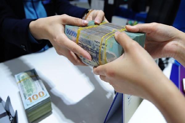 Lãi 'cắt cổ' 85%: Vung tay vay tiền ăn tiêu rồi oằn lưng trả nợ