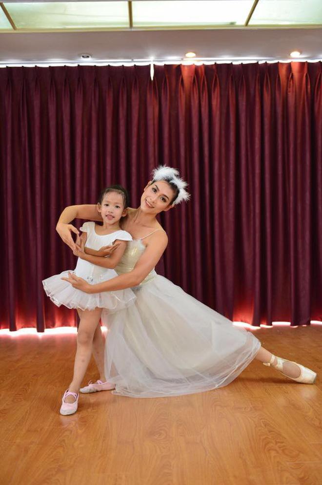 Hà Hương hướng cho con gái theo đuổi niềm đam mê múa giống mẹ.