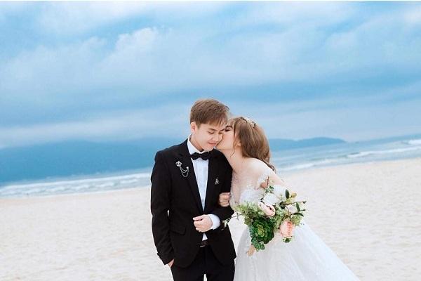 Cặp đồng giới Việt nổi tiếng mạng xã hội hạnh phúc khi đã chính thức kết hôn hợp pháp tại Mỹ