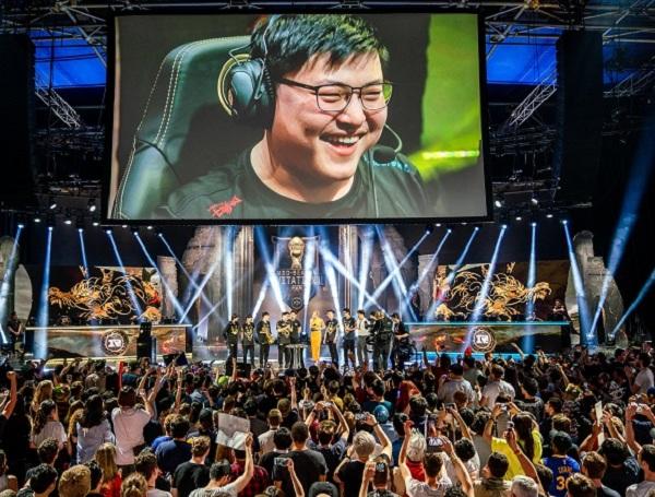 Lật đổ sự thống trị của người Hàn, Uzi cùng đồng đội lên ngôi vô địch MSI 2018