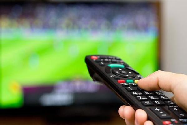 Người Việt đợi bản quyền World Cup để mua thiết bị xem bóng đá