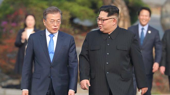Kim Jong Un lần thứ 2 gặp Moon Jae In ở Bàn Môn Điếm