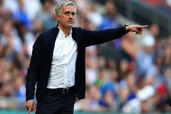 Mourinho: 'Chelsea không xứng đáng đoạt Cup FA'