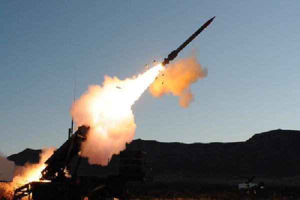 Arab Saudi bắn hạ tên lửa đạn đạo nhắm vào sân bay