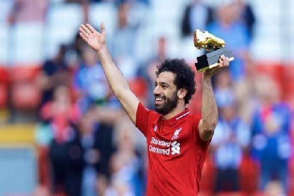 Giày của Salah được trưng bày trong triển lãm Ai Cập tại Anh