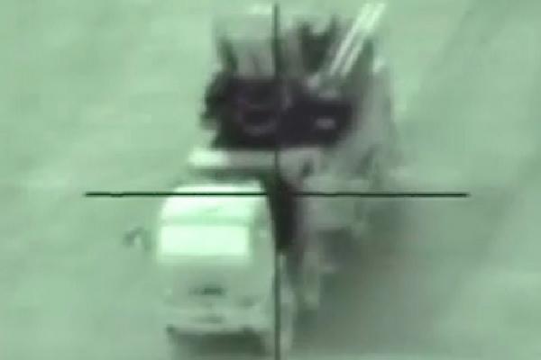 Khoảnh khắc tên lửa Israel lao vào xe chiến đấu Pantsir-S1 của Syria