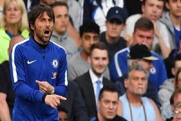 Conte thừa nhận Chelsea còn rất ít cơ hội cán đích trong top 4