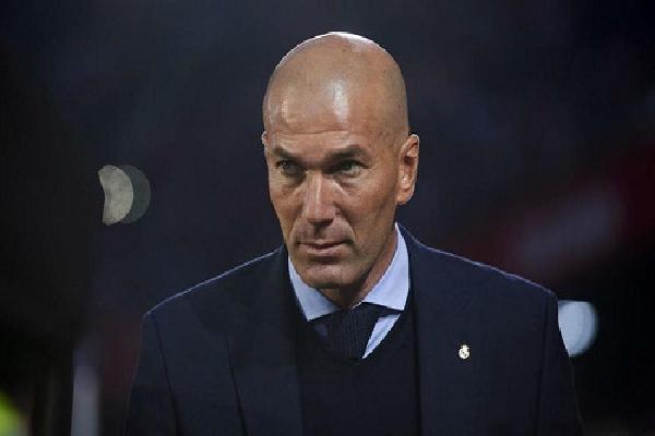 Zidane: 'Tôi cho các trụ cột nghỉ ngơi, mặc mọi người nghĩ gì'