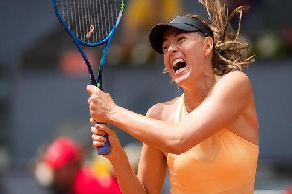 Sharapova ngược dòng, vào tứ kết Madrid Mở rộng
