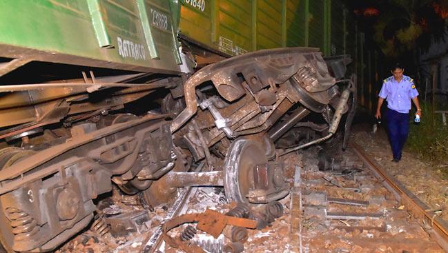 Lập trạm trung chuyển sau vụ 2 tàu hàng tông nhau ở Quảng Nam